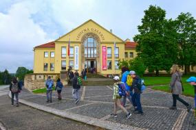 ICEFA Lidice 2019 prize awards – garden of the Lidice Gallery on 28 May 2019